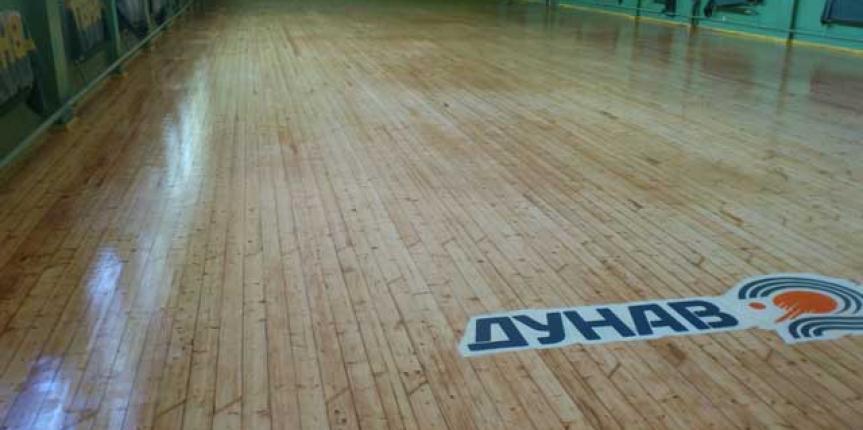 Ремонт в залата по тенис на маса
